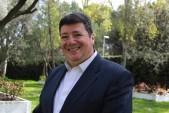 Dr Alturo Almeida